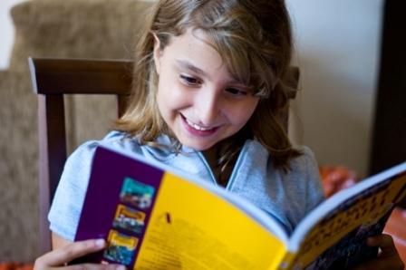 """""""Para as crianças, educação é o mestre-escola; para os jovens é o poeta."""""""