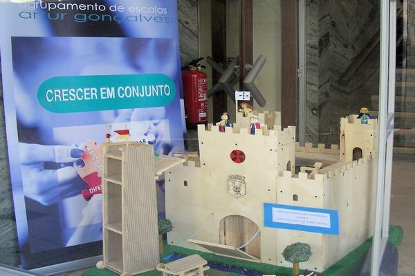 Exposição de trabalhos organizada pelo Agrupamento de Escolas Artur Gonçalves