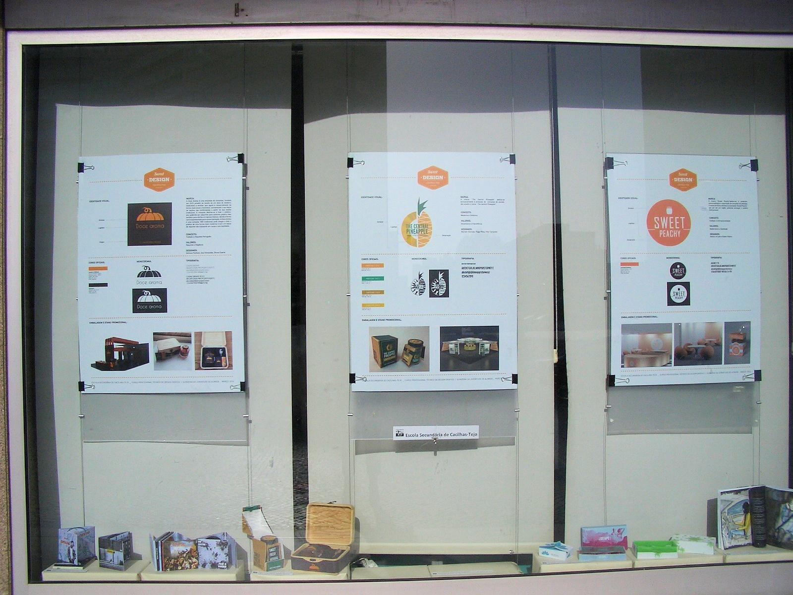 Exposição de trabalhos organizada pela Escola Secundária Cacilhas – Tejo